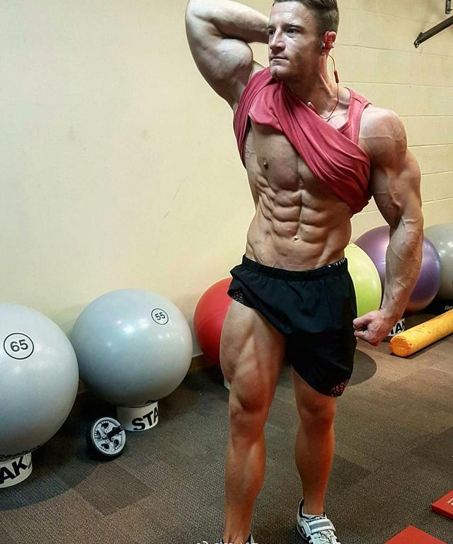 """""""每週兩次臀腿訓練:5個動作讓臀腿充滿高階運動力量"""""""