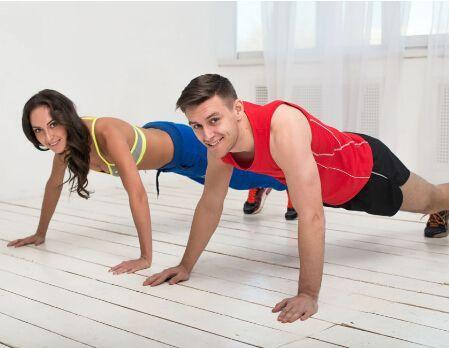 """""""堅持每天50個俯臥撐——改善你的身體狀況"""""""