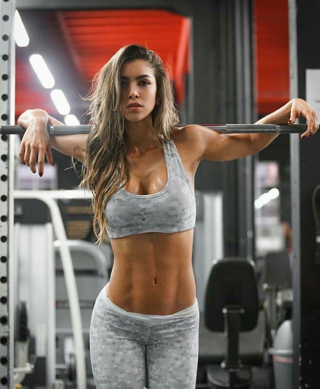 """""""全面背部增肌訓練方案:7個動作多維度全面刺激背部肌群"""""""
