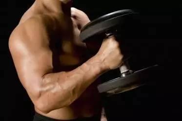 """""""四個建議,讓健身新手增加胸肌厚度"""""""