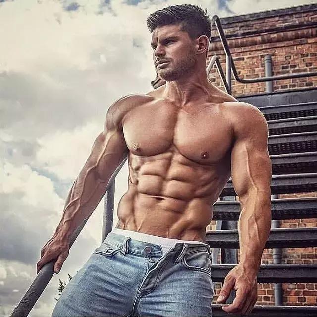 """""""男人有肌肉VS沒肌肉,區別究竟有多大?"""""""