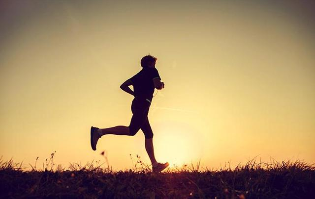 """""""每週慢跑3-5次——讓你受益一生"""""""