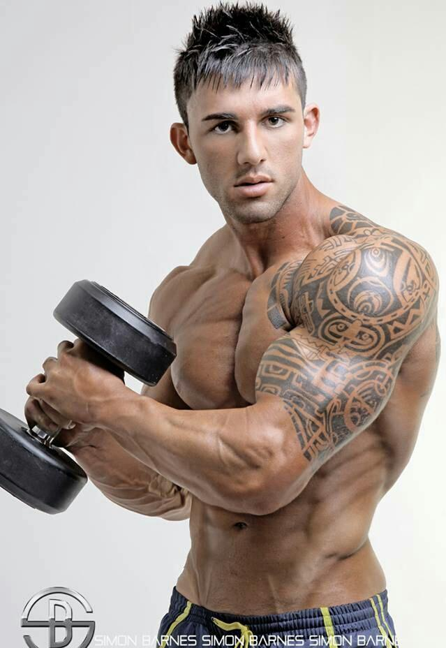 """""""中等重量遞增減+高次數肩部增肌訓練:7動作讓肩部渾厚飽滿有型"""""""
