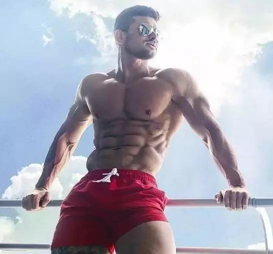"""""""增肌平台期,肌肉不再生長?想盡辦法來突破它!"""""""