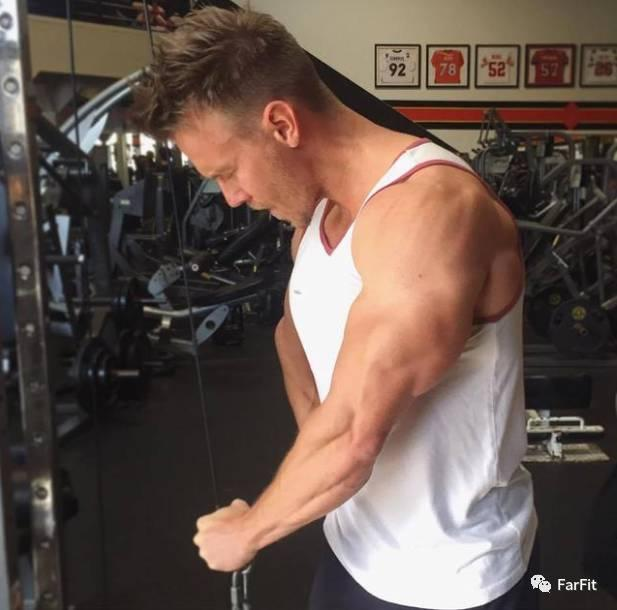 """""""效果超級好的肱二頭肌強化訓練,一般人很少用這個動作!"""""""