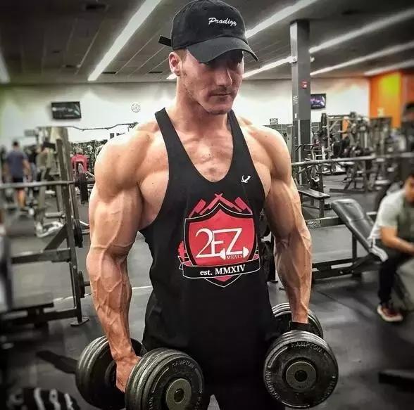 他從來不吃肉竟然能練成這樣!這個IFBB選手有點奇葩!