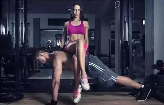 有一個愛健身的男朋友是種什麼樣體驗?