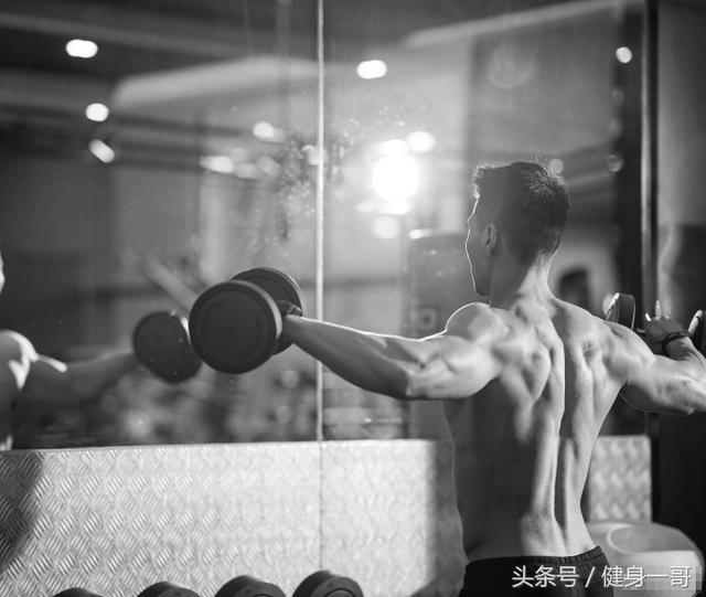 """""""健身三年,蛻變為圈內肌肉名媛,敢愛敢狠,意外俘獲愛情"""""""