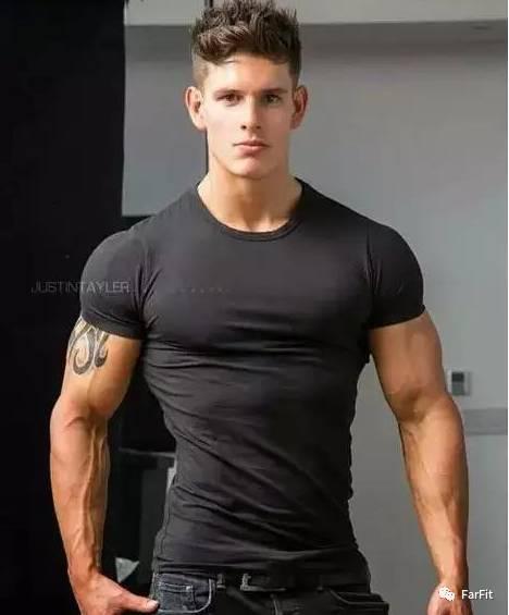 練肩需要新鮮感,4招練就你撐爆T恤的球狀肩膀