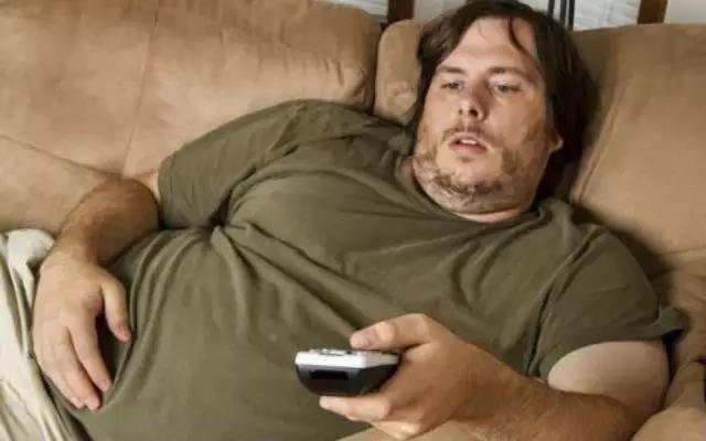 """""""太胖的危害多,如何減肥?"""""""