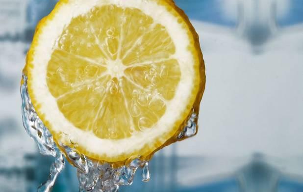"""""""超模米蘭達減肥法,就喝檸檬水?"""""""