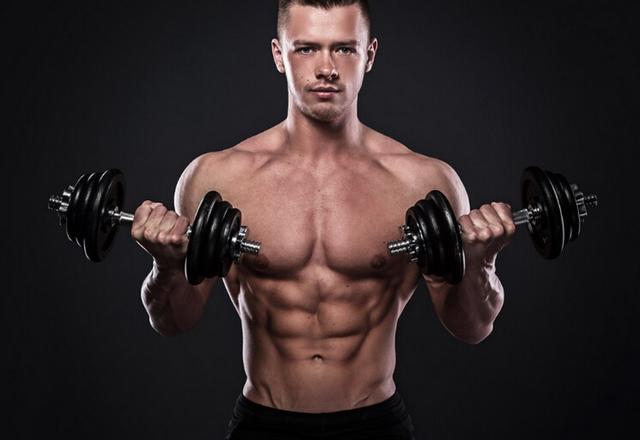 全身肌肉鍛煉 8個動作和一副啞鈴就夠了
