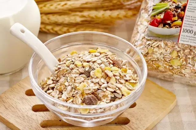 全球公認最容易發胖の十大垃圾食品和減脂效果最好の十種食物