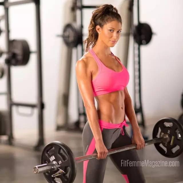 """""""好身材不由體重決定!150斤的女人一點兒也不可怕!"""""""
