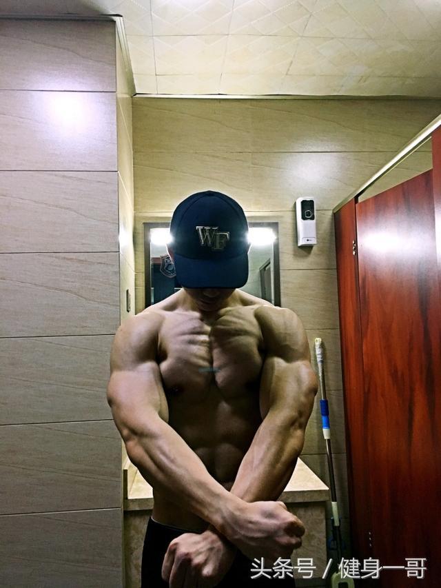 """""""健身三年,只用兩種方式減脂,練就了搓衣板式的八塊腹肌"""""""