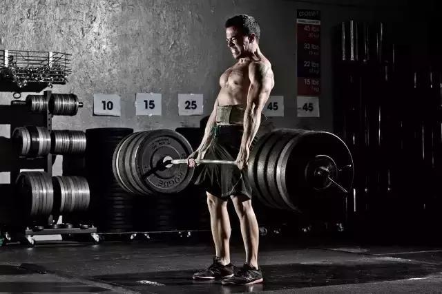 """""""健身教練告訴你增肌的5個小竅門"""""""