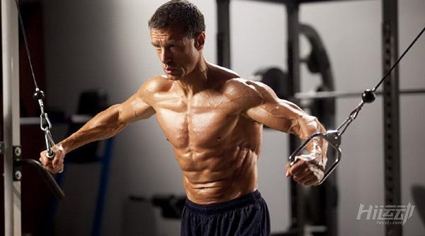 健身房怎麼練胸?這6個動作練出大胸肌