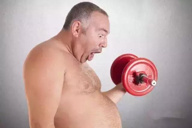"""""""肥胖導致各種並發症,脂肪燃燒靠堅持運動!"""""""
