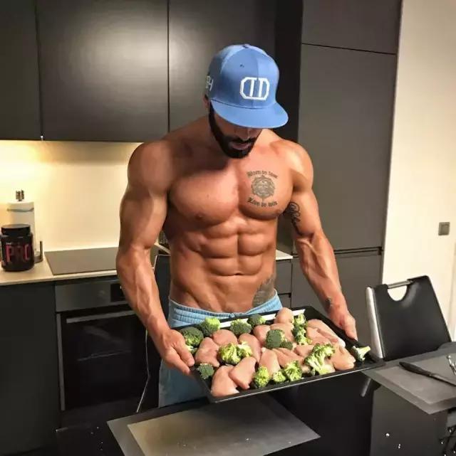 晚上下班健身,應該在飯前還是飯後?