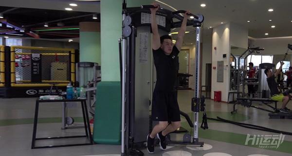 重量上不去是握力不足! 5步練習懸掛動作增握力