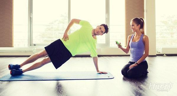 4個動作4分鐘高效率核心強化!練腹肌別忘了核心訓練