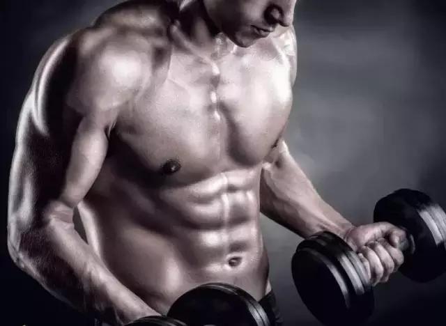 胸肌不對稱怎麼補救? 4個動作加以矯正!