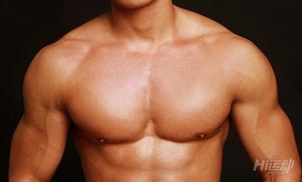 練方形胸肌非常有效! 2個動作針對下胸輪廓