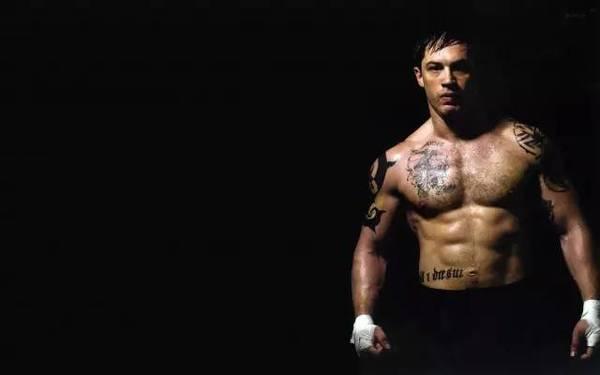 練出強大胸肌,你需要先打造手臂力量!