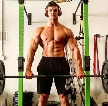 如何常年保持低體脂,讓肌肉血管爆出來!