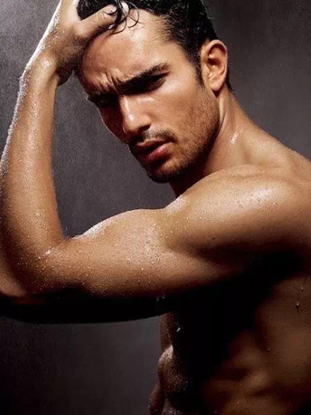 大肚男有損形象!如何把腹部肌肉練出來?