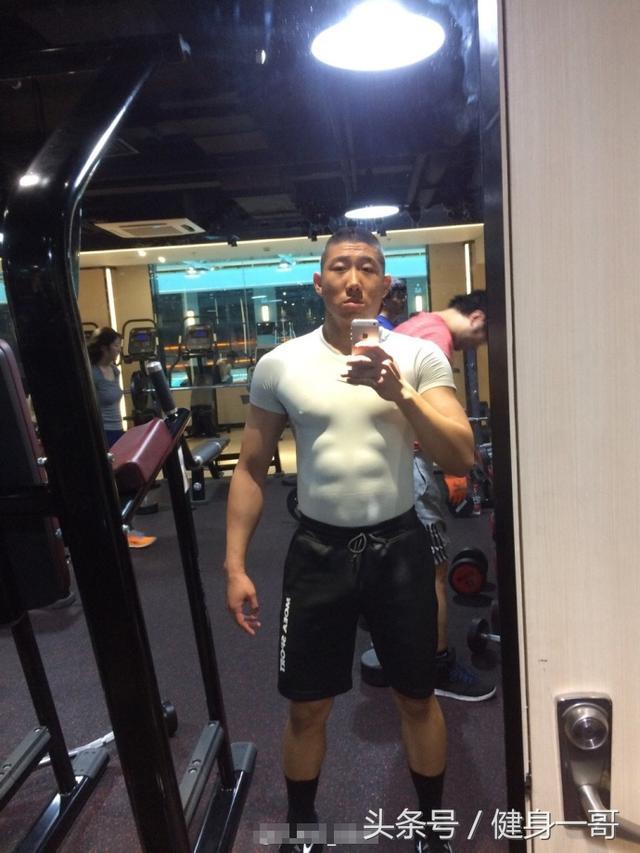 """""""什剎海體校出來的兵哥哥,退伍後練出滿身肌肉成健身私教"""""""