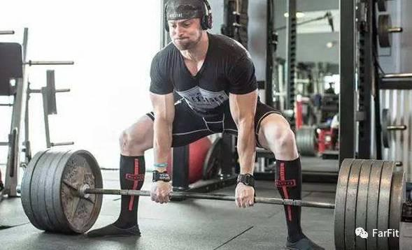 健身王牌動作——硬拉,到底是練背還是練腿的?