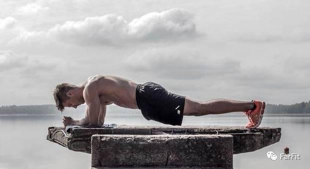 這個健身動作,估計你堅持不了1分鐘!