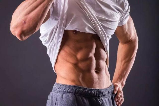 在家也能針對訓練你的上腹肌做訓練