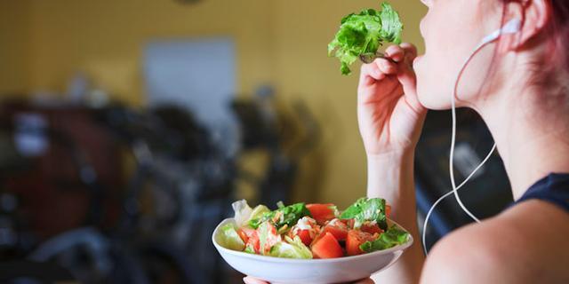 不會吃=白練!減脂、增肌訓練前吃什麼效果更好?