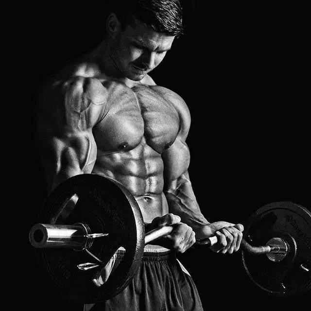 先慢跑刷低身體脂肪,再用腹肌動作練出腹肌!