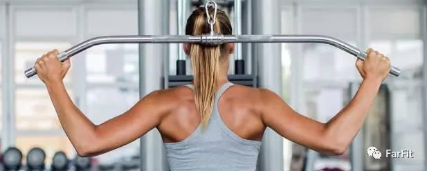 讓背部變得更寬,如何做好高位下拉?讓背部感受到發力
