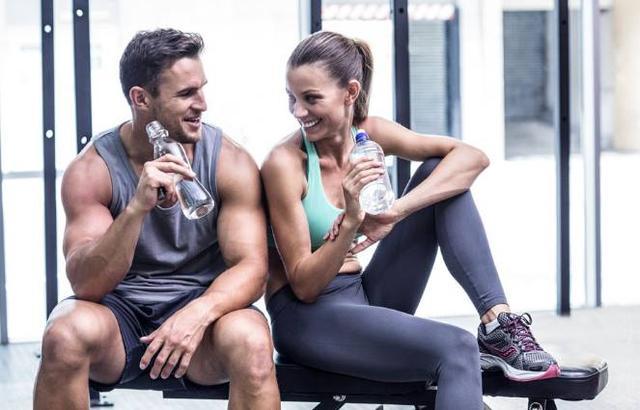 新手健身時,力量訓練從那些動作入手?