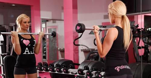 肌肉如何超量恢復?一套增肌訓練送給健身新手!