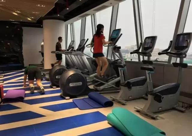 土豪公司健身房怒刷100萬,健身圈被刷爆了!