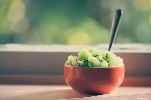 晚上光吃水果能減肥?別逗了?
