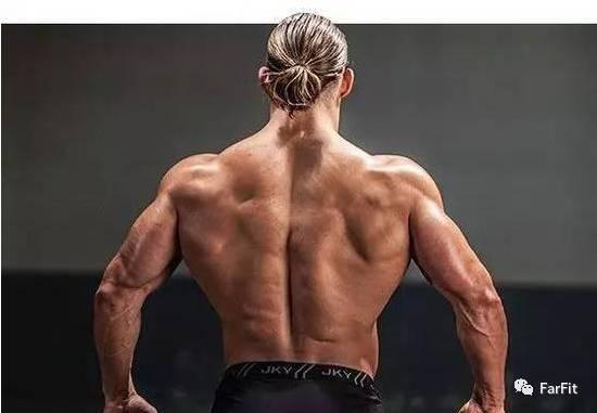 打造撐起衣服的球狀肩部肌肉,你不應忽視這個鍛煉動作!