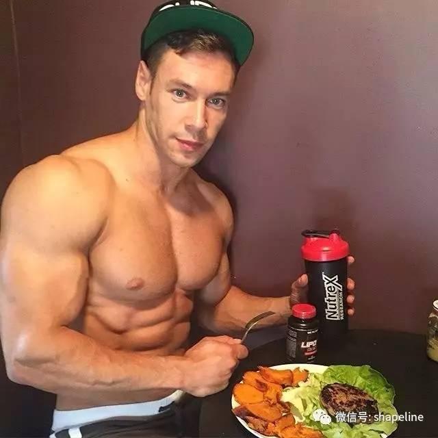"""""""蛋白粉""""不是增肌仙藥!健身者使用""""蛋白粉""""的誤區有哪些?"""