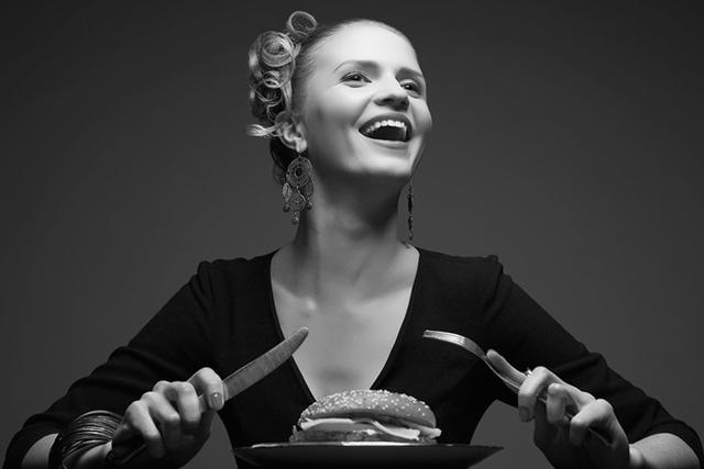 胖到逃亡——獨立女性戰勝不了的,可能就是肥肉了