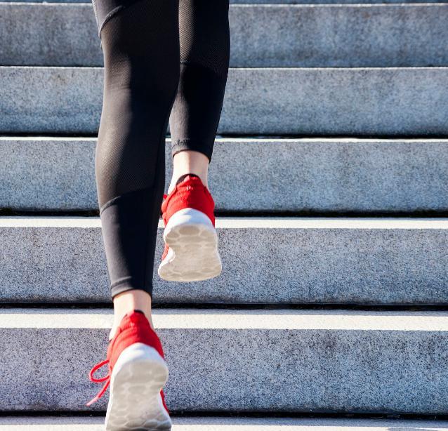 一套高强度燃脂训练动作,减脂效果是跑步的2倍!