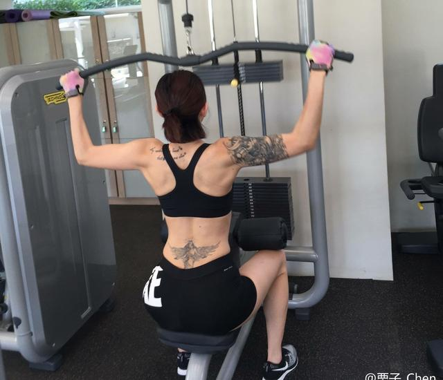 背部訓練,讓你身披寬厚鎧甲,肌肉野蠻生長!
