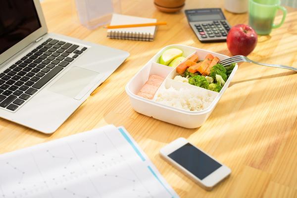 莫名其妙變胖?吃飯環境和長肉也有關係!