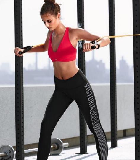 用一根彈力繩,在家鍛煉自己的全身肌肉群!