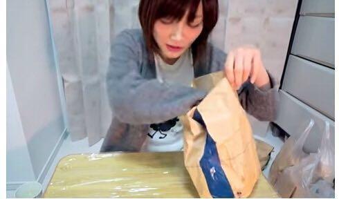 一次吃100個漢堡,這個日本萌妹子卻只有88斤?